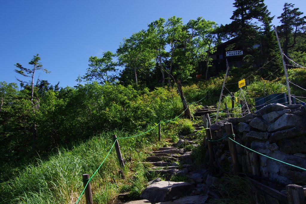 西穂山荘と診療所