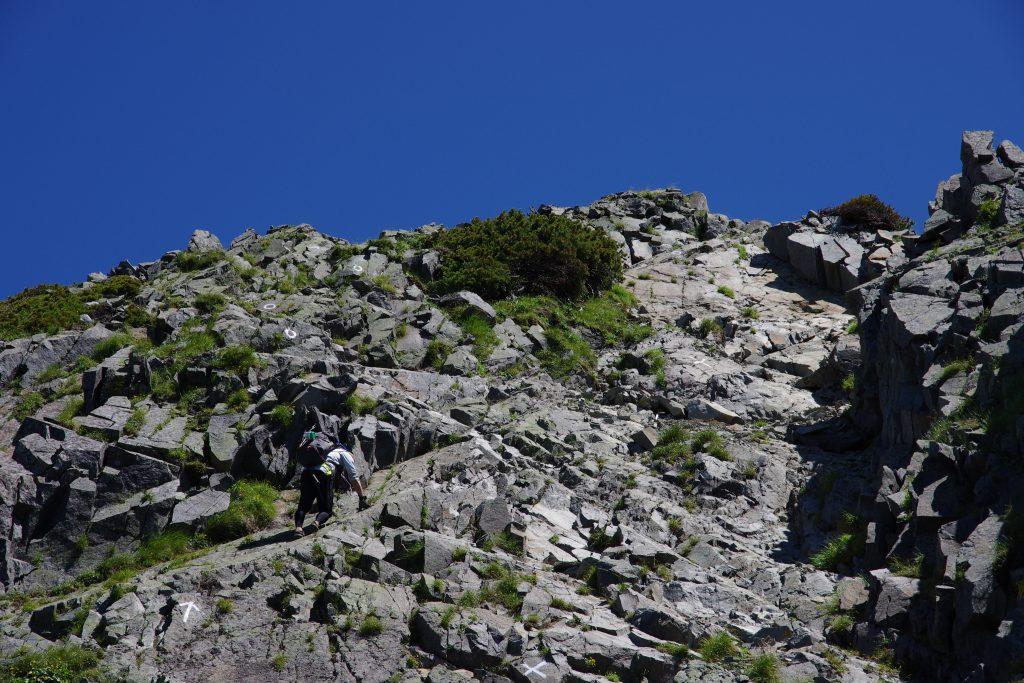 西穂高岳への岩場