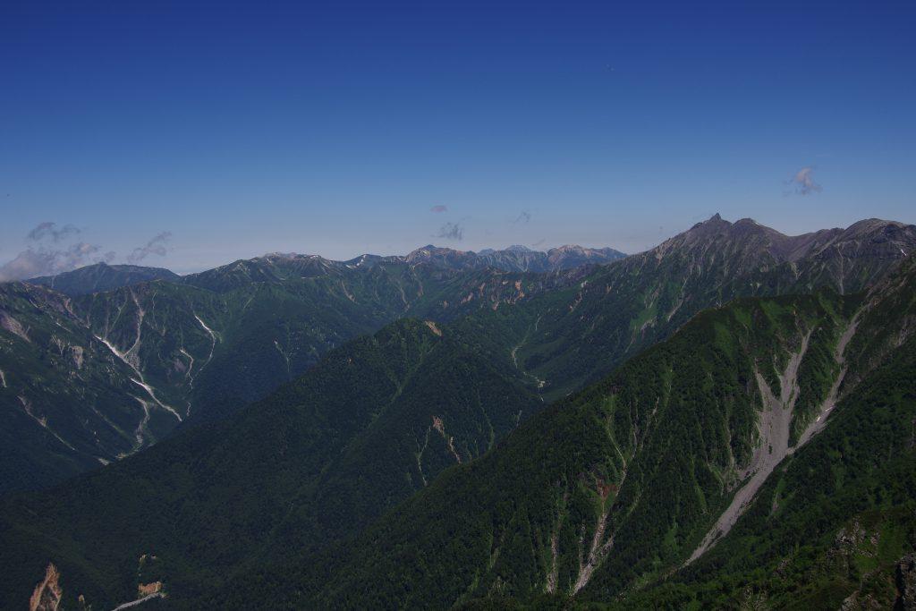 西穂高岳から望む槍ヶ岳