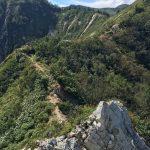 三方崩山 岩場と頂上への稜線
